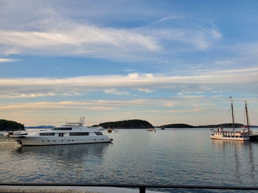 Waterfront at Bar Harbor, Maineq