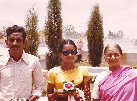 Mom, Dad & JG 1976 (1)